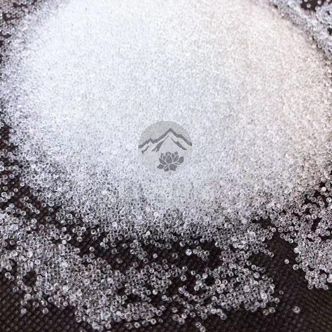 Blasting glass beads